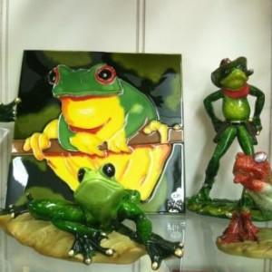 Frogs found at Handmade Jewelry Shop in Millstone Plaza, Pigeon Forge